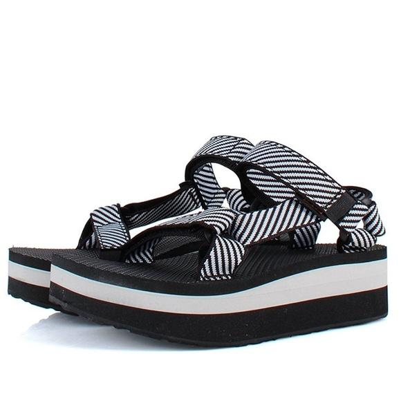 c2bf811295c1 Teva Flatform Universal Candy Stripe Black sandal